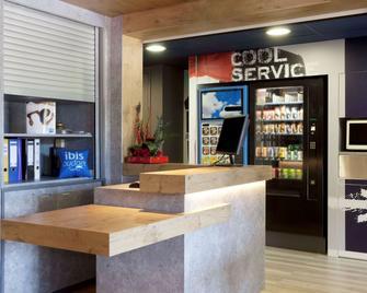 ibis budget Aix-en-Provence Est Le Canet - Meyreuil - Building