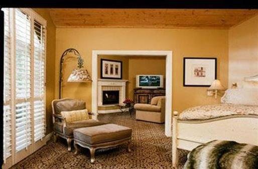Westlake Village Inn - Westlake Village - Living room