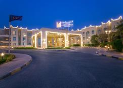 Al Jahra Copthorne Hotel & Resort - Jahra - Edificio