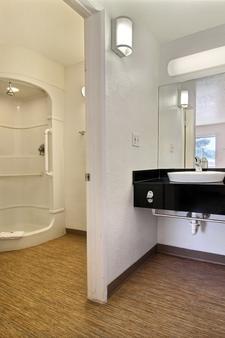 Motel 6 San Angelo - San Angelo - Phòng tắm
