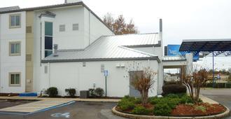 Motel 6 Jackson Airport - Pearl, MS - Pearl