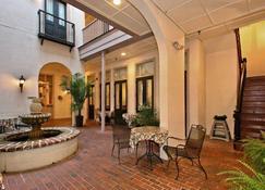 Kings Courtyard Inn - Charleston - Patio