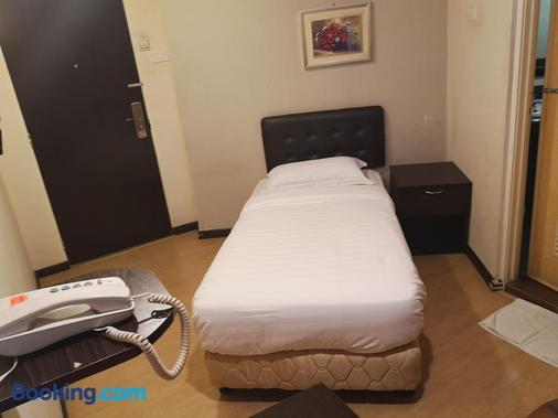 Sai Villa Hotel - Kampung Baharu Nilai - Bedroom
