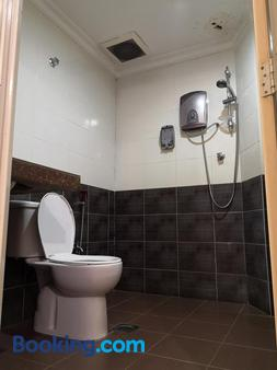 Sai Villa Hotel - Kampung Baharu Nilai - Bathroom