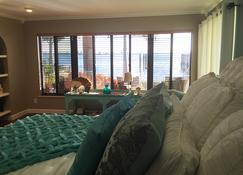 Pasa Tiempo Private Waterfront Resort - Adults Only - Saint Pete Beach - Bedroom