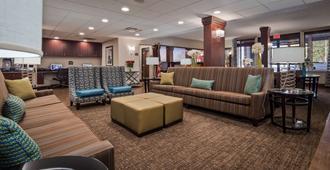 Best Western Plus Galleria Inn & Suites - ממפיס - טרקלין