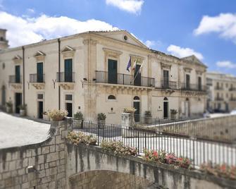 Novecento Scicli - Scicli - Будівля
