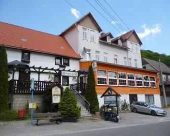 Hotel Weißes Roß - Thale - Gebouw