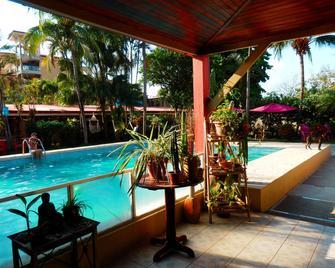 Hotel El Jardin - Jacó - Piscina