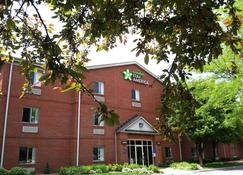 托萊多美國長住酒店 - 莫米 - 茂米 - 莫米 - 建築