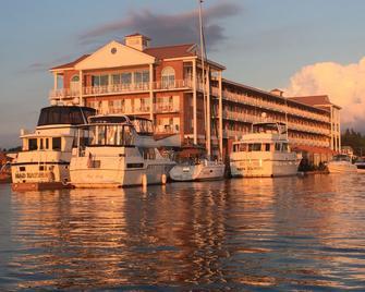 Riveredge Resort - Александрія Бей - Будівля