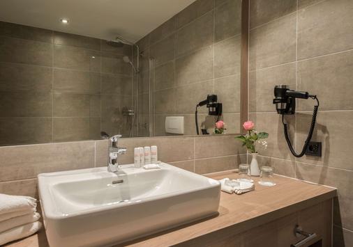 Radisson Blu Badischer Hof Hotel, Baden-Baden - Baden-Baden - Bathroom
