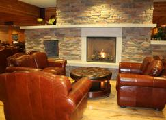 Norfolk Lodge & Suites Ascend Hotel Collection - Norfolk - Lobby