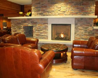 Norfolk Lodge & Suites Ascend Hotel Collection - Norfolk - Salónek