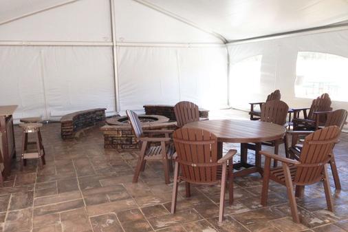 Norfolk Lodge & Suites, an Ascend Hotel Collection Member - Norfolk - Comedor