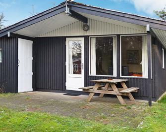 Stylish Holiday Home Near Struer With Garden Furniture - Struer