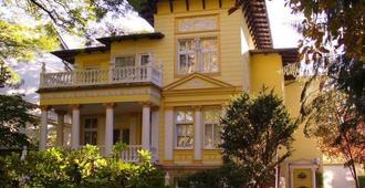 Villa Toscana - Berlin - Building