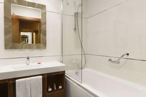 伊斯坦布爾阿塔科伊華美達套房酒店 - 伊斯坦堡 - 伊斯坦堡 - 浴室