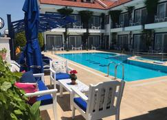 Rota Hotel - Дальян - Басейн
