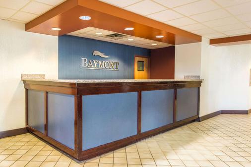 Baymont by Wyndham Cincinnati - Cincinnati - Lobby