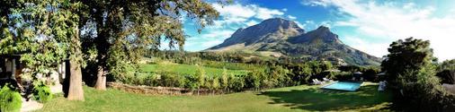 Le Pommier Wine Estate - Stellenbosch - Cảnh ngoài trời