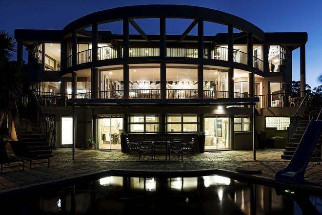 Glenda s Guest Suites - Midrand - Building