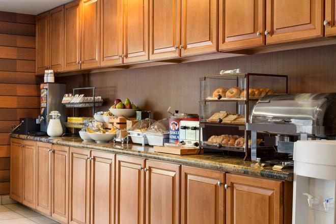 Country Inn & Suites by Radisson, Phoenix Airport - Phoenix - Buffet