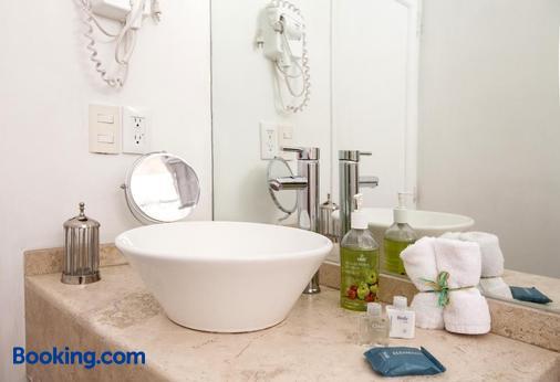 Condesa Amatlan - Mexico City - Bathroom