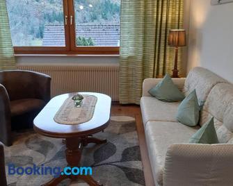 Ferienwohnung Viktoria - Lenzkirch - Living room