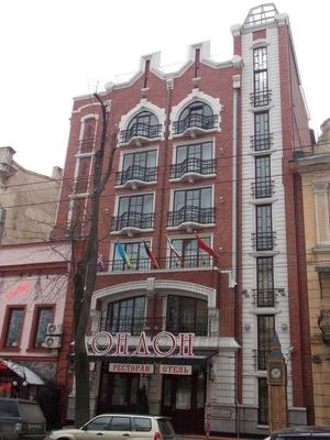 London Hotel - Odesa - Building