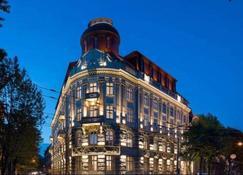 Bank Hotel - Leópolis - Edificio