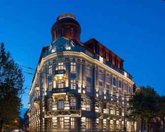 Bank Hotel - Lemberg - Gebäude