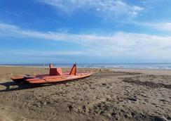 川伯琳套房酒店 - 里喬內 - 里喬內 - 海灘