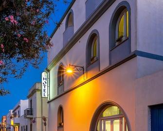 Hotel Cala di Seta - Calasetta - Gebäude