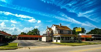 Coach House - Edenton - Gebäude