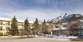 Coast Canmore Hotel & Conference Centre - Canmore - Rakennus