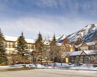 Coast Canmore Hotel & Conference Centre - Canmore - Gebouw