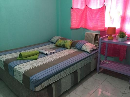 J & C Guesthouse - Moalboal - Bedroom
