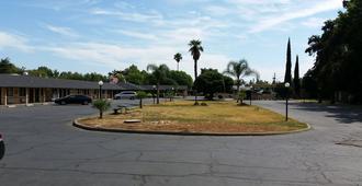 Town House Motel - Chico - Näkymät ulkona