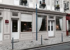Hotel Des Falaises - Deauville - Building