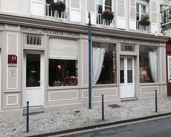 Hôtel Des Falaises - Deauville - Building