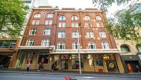 悉尼基地背包客酒店 - 雪梨 - 建築