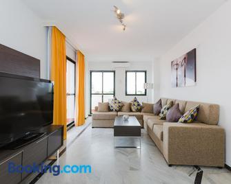 Apartamentos Torrenueva Park - La Cala de Mijas - Living room