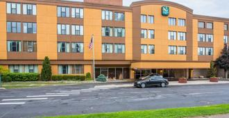 Quality Inn Massena - Massena