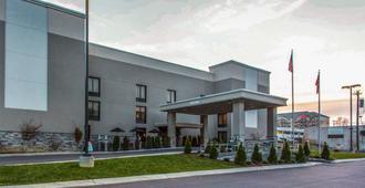 Quality Suites Nashville Airport - Nashville