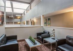 納什維爾機場品質套房酒店 - 納什維爾 - 納什維爾 - 大廳