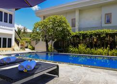 Jm Hotel Kuta Lombok - Kuta - Πισίνα
