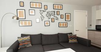 2 Bedroom Apartment In Ancoats! - Mánchester - Sala de estar