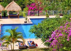 Vanna Hill Resort - Kep - Bể bơi