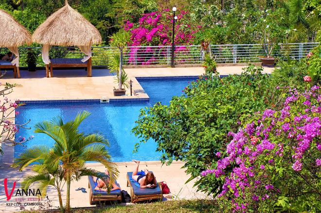 Vanna Hill Resort - Kep - Pool